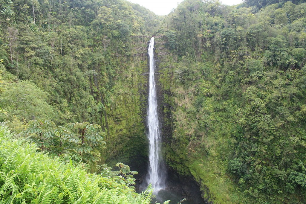 akaka_falls-kona-island-hawaii_usa-credit-wikicommons-posted-manufactured-home-living-news-