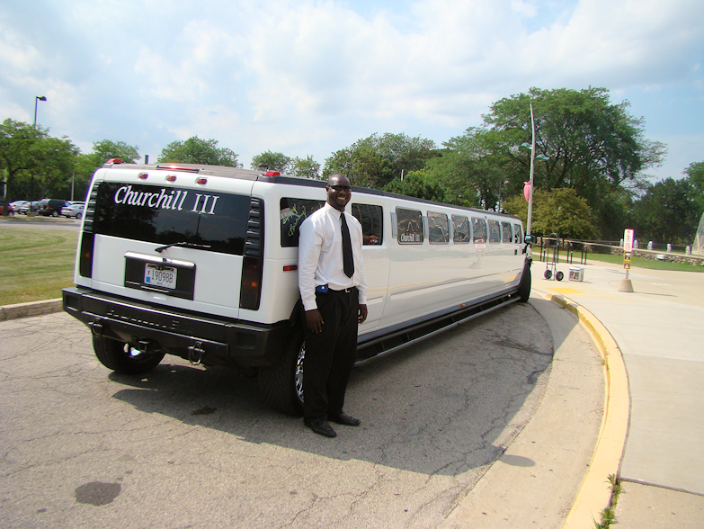 antoine-churchill-limo-service-parked-by-mitchell-park-domes-milwaukee-wi-usa-destination-manufactured-home-living-news