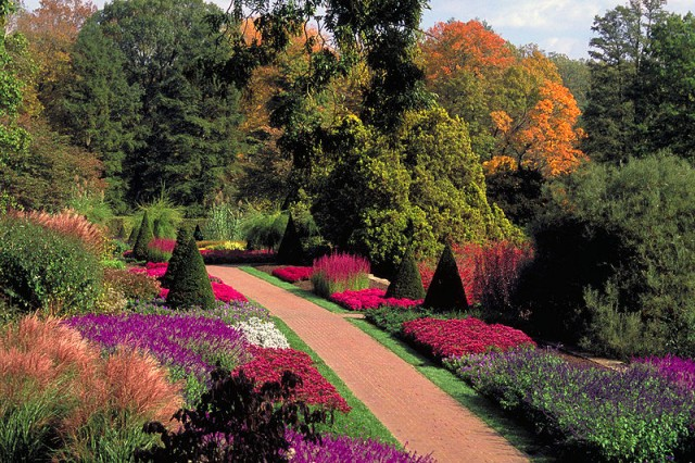 longwood_gardens_kenneth-square-chester-county-pennsylvania-pa-usa-posted-mhlivingnews-com-credit-federal-highway-admin-.jpeg