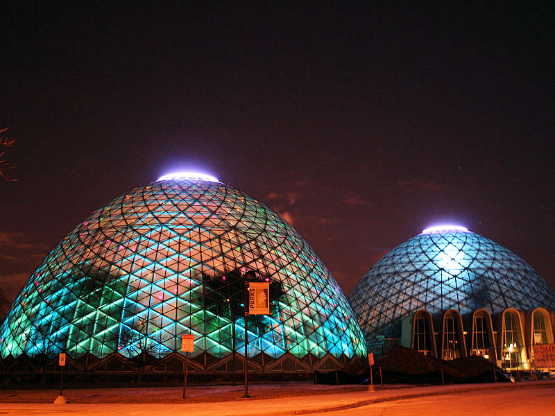 milwaukee_domes_night-1-credit-wikicommons-posted-manufactured-home-living-news
