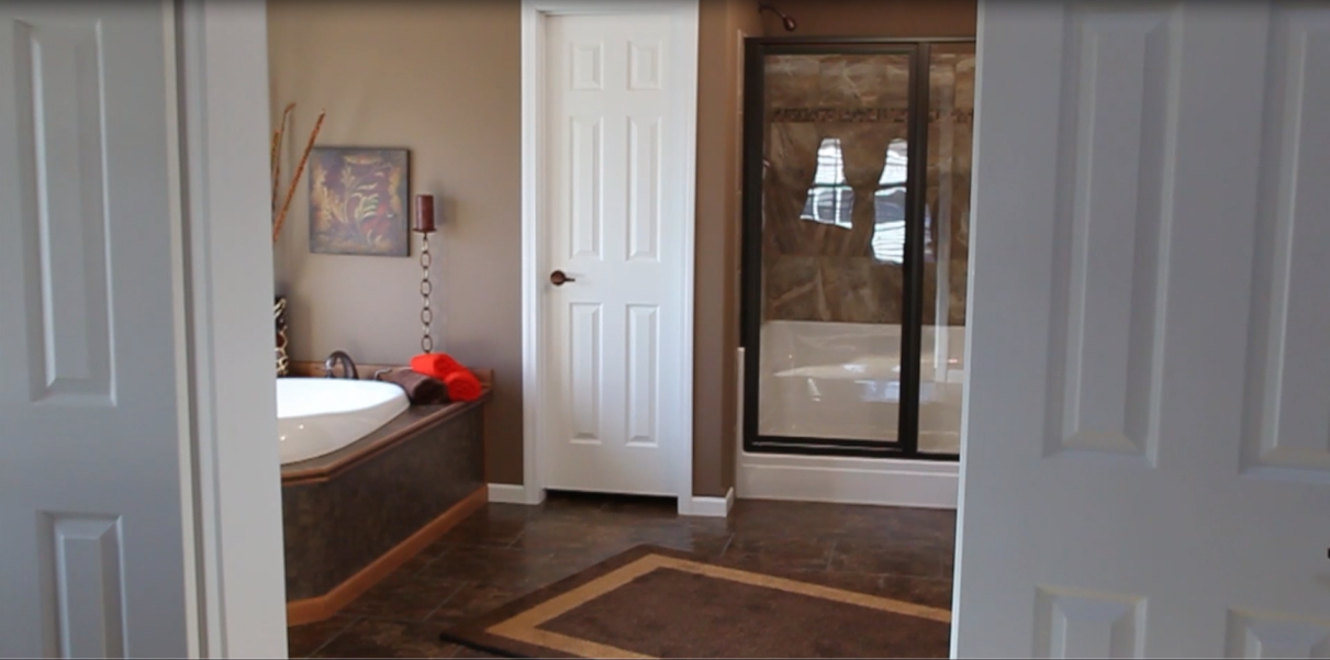 10-master--bath-kabco-home-builders-tunica-show-posted-manufactuctured-home-living-news-com-