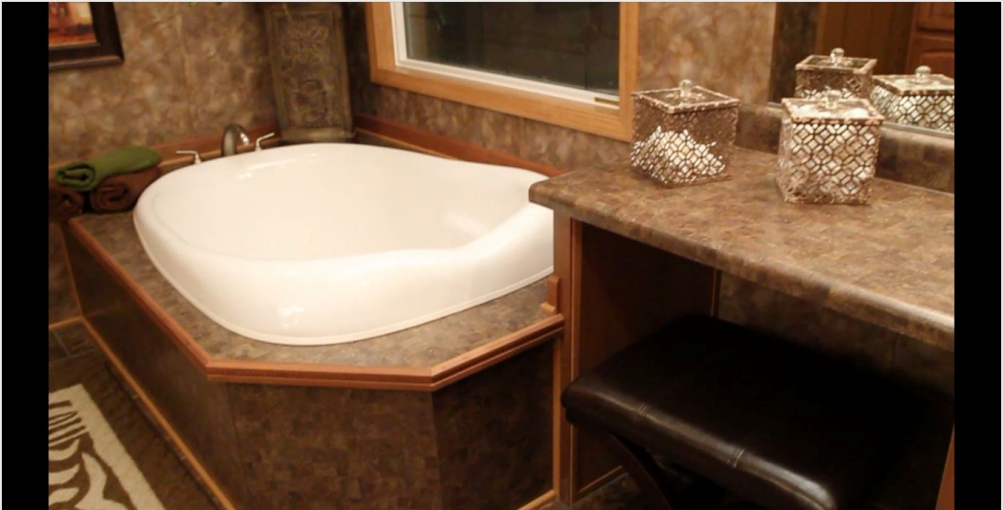 10-master-bath2-kabco-tunica-show-32x70-manufactured-home-living-news-com-A