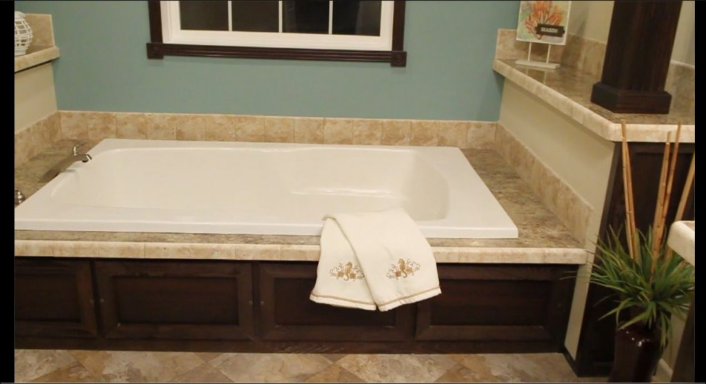8-master-bath-tub-champion-homes-3017-manufactured-home-living-news-com-