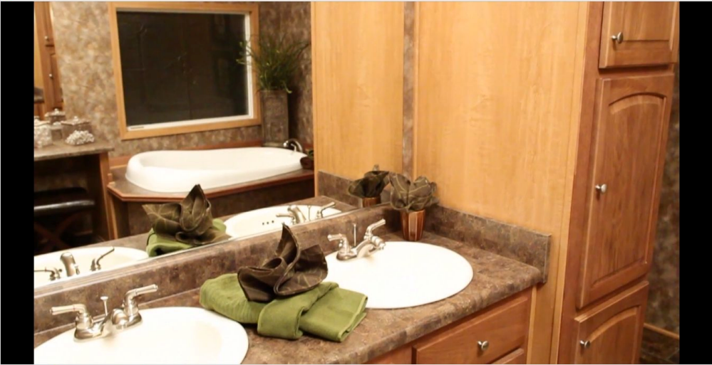 9-master-bath-kabco-tunica-show-32x70-manufactured-home-living-news-com-A