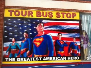 superman-square-museum-gift-shop-metropolis-il-usa-supermans-hometown-posted-manufactured-home-living-news-