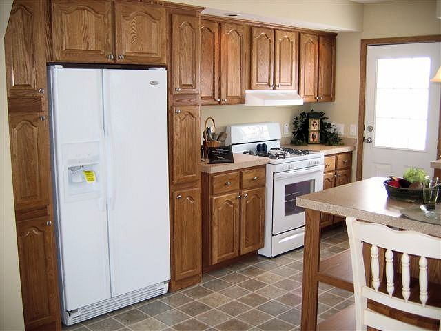 1-tanner-kitchen-lib-hom-8-door-pantry-manufactured-home-living-news-