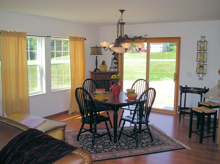 3-dining-vineyard-shamrock-homes-posted-manufactured-home-living-news-