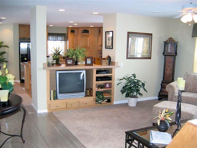 5living-kitchen-charlotte-manufacturedhomelivingnews-com-