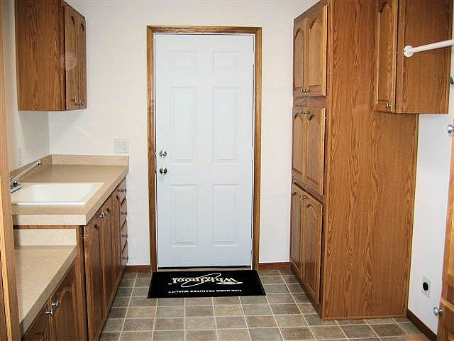 7-tanner-laundry-deep-sink-cabinets-manufactured-home-living-news-