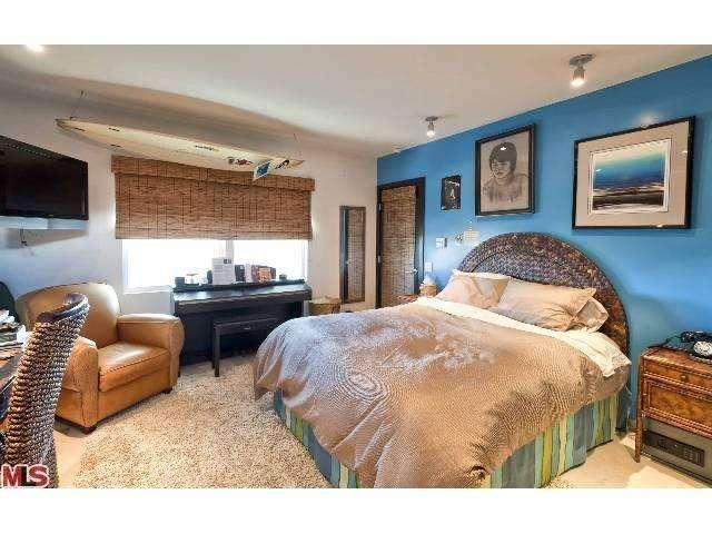 9master-bedroom2--29500-heathercliff-rd-#189-malibu-ca-90265-point-dume-club-betsy-russell-manufactured-home