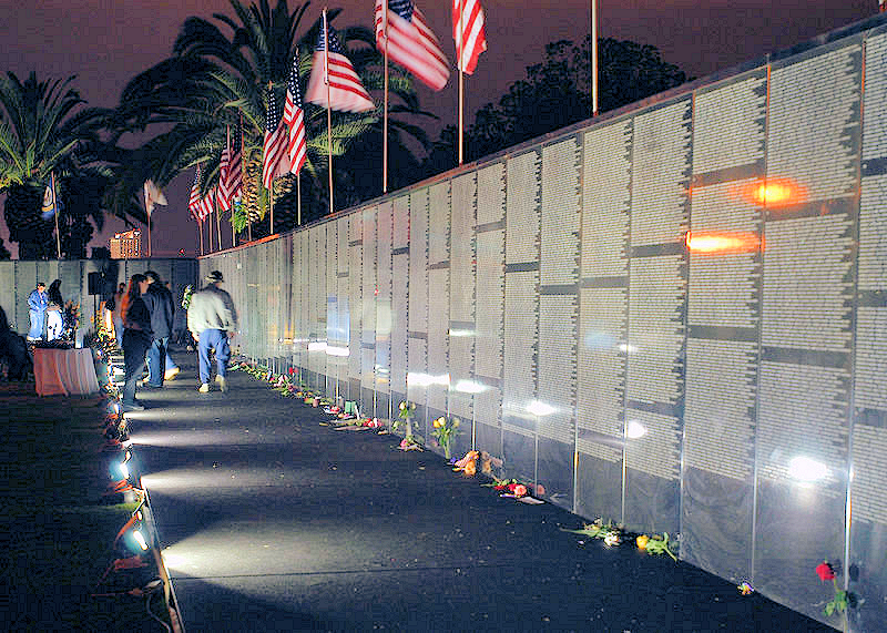 vietnam_wall,_memorial-washington-dc-wikicommons-posted-mhlivingnews-com-us-destinations-a.png