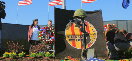 vietnam_wall_wreaths-memorial-washington-dc-wikicommons-posted-mhlivingnews-com-us-destinations-a.png