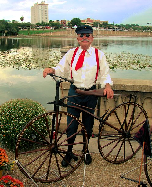 1800s-vintage-bicycle-with-owner-2013-lake-mirror-car-classic-lakeland-florida-us-destination-mhlivingnews-com-