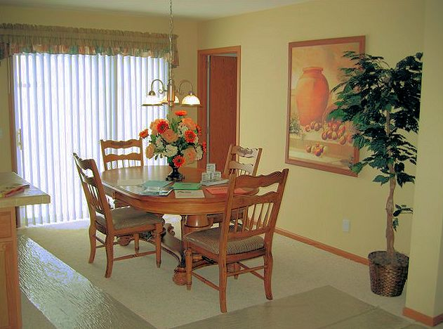 2-dining-santa-rosa-liberty-show-manufactured-home-living-news-