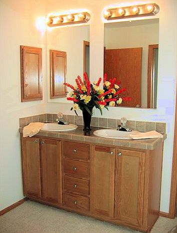 6-master-bath-dual-sinks-santa-rosa-liberty-show-manufactured-home-living-