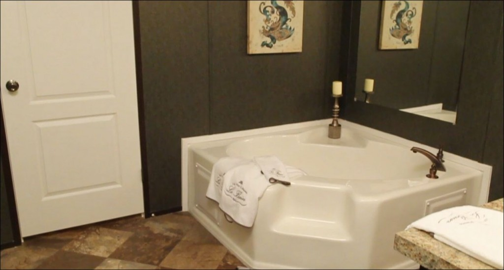 7-soaker-bath-master-atlantic-manufactured-home-living-news