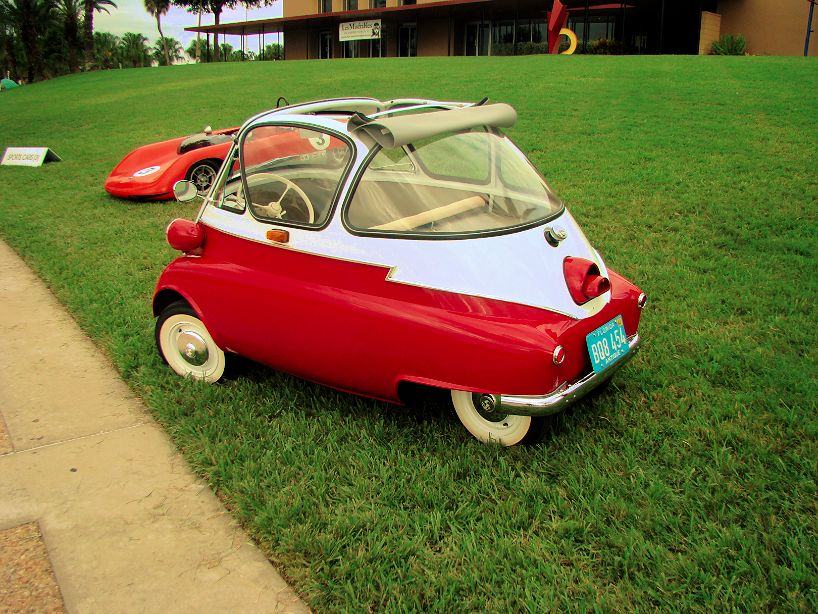 bmw-isetta-side-2013-lake-mirror-car-classic-lakeland-florida-us-destination-mhlivingnews-com-