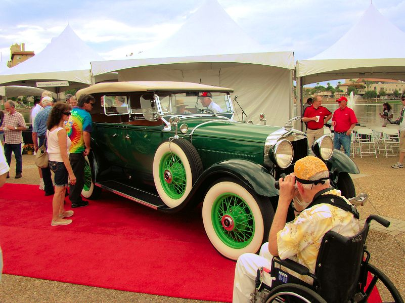 classic-lincoln-2013-lake-mirror-car-classic-lakeland-florida-us-destination-mhlivingnews-com-