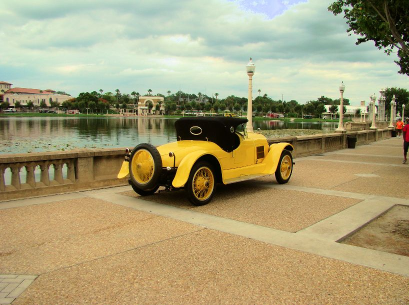 -lake-mirror-car-classic-lakeland-florida-us-destination-mhlivingnews-com-