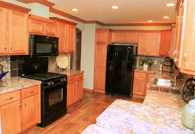 3kitchen-rv-mh-hall-fame-fairmont-display-model-manufactured-home-living-news-elkhart-indiana-us-destination