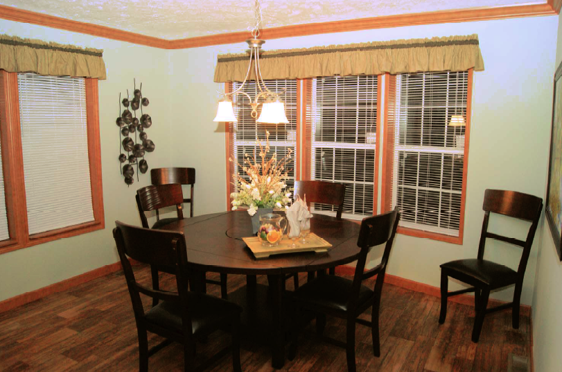 4-dining-rv-mh-hall-fame-fairmont-display-model-manufactured-home-living-news-elkhart-indiana-us-destination
