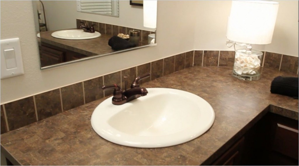 6-dual-sinks-guest-bath--tunica_kabco_10thanniversary_as-00-332x72