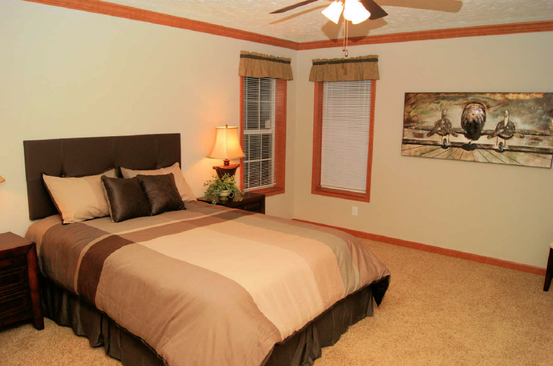 9-masterbedroom-rv-mh-hall-fame-fairmont-display-model-manufactured-home-living-news-elkhart-indiana-us-destination-