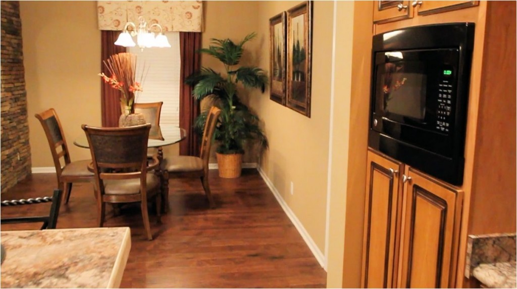 3-franklin-freedom-living-3028-68-332-dining-from-kitchen-manufactured-home-living-news-com-l