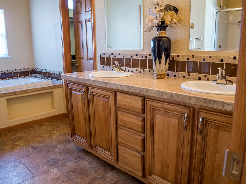 4-magnolia-manufactured-home-model-mh-213-master-bath-manufactured-home-living-news-com-