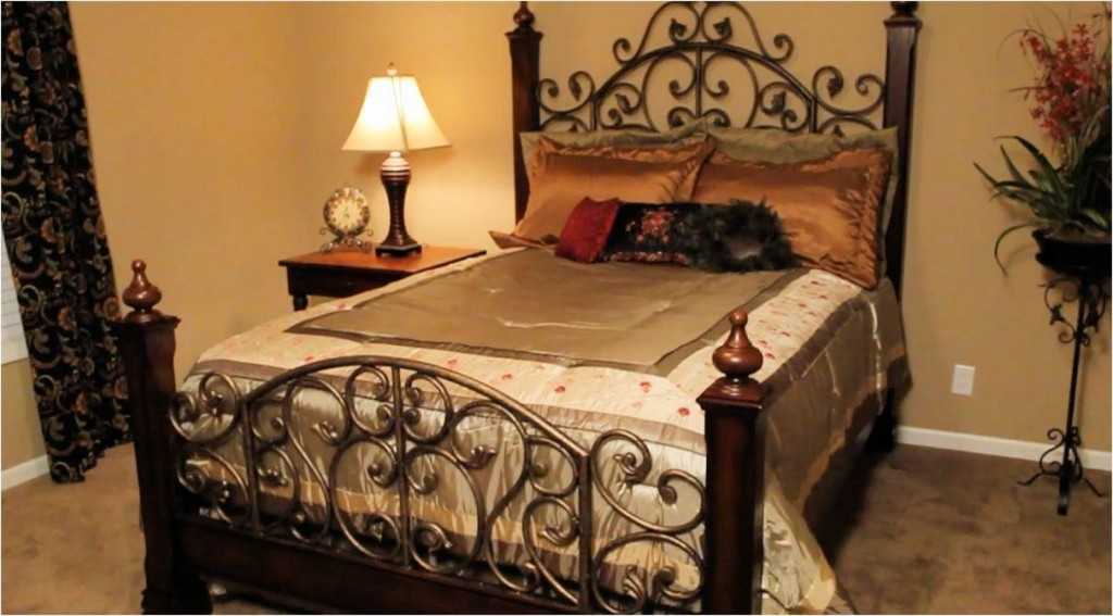 7-franklin-freedom-living-3028-68-332-master-bed-manufactured-home-living-news-com-l