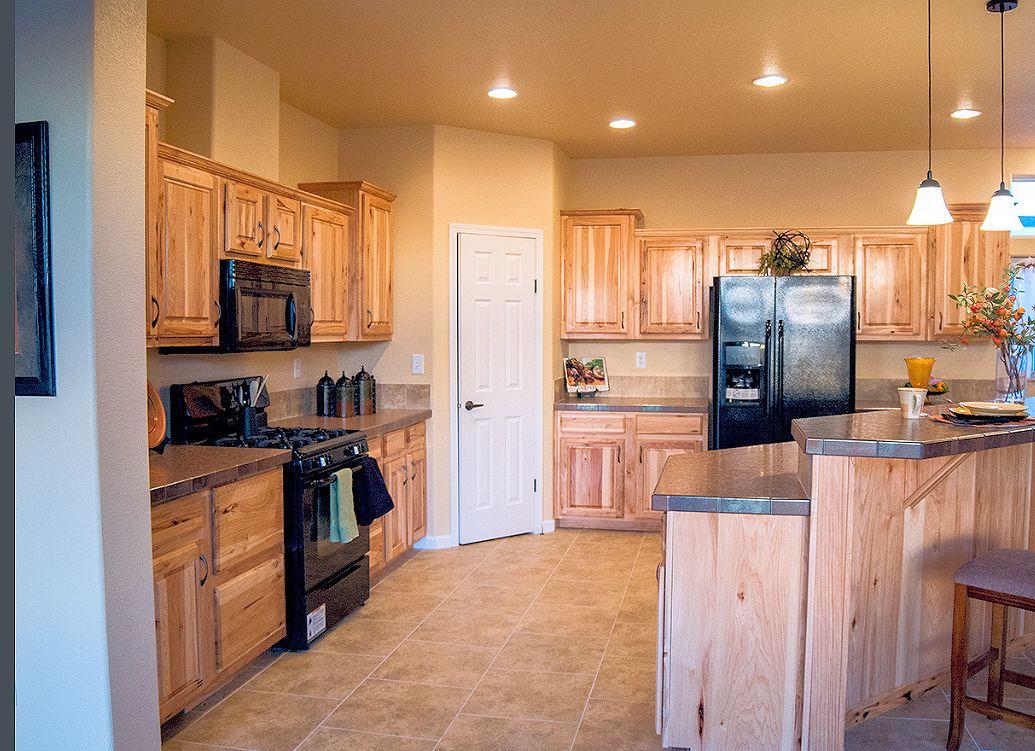 2-platinum-kitchen1-manufacturedhomes-com-posted-mhlivingnews-com-