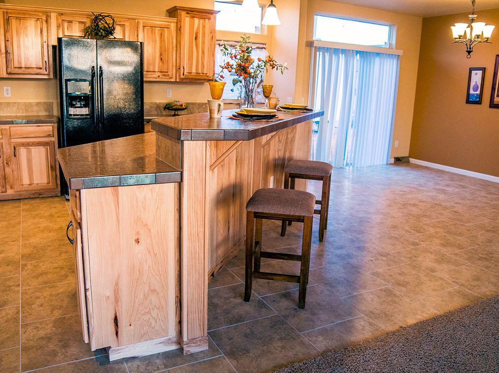 3-platinum-kitchen1-manufacturedhomes-com-posted-mhlivingnews-com-