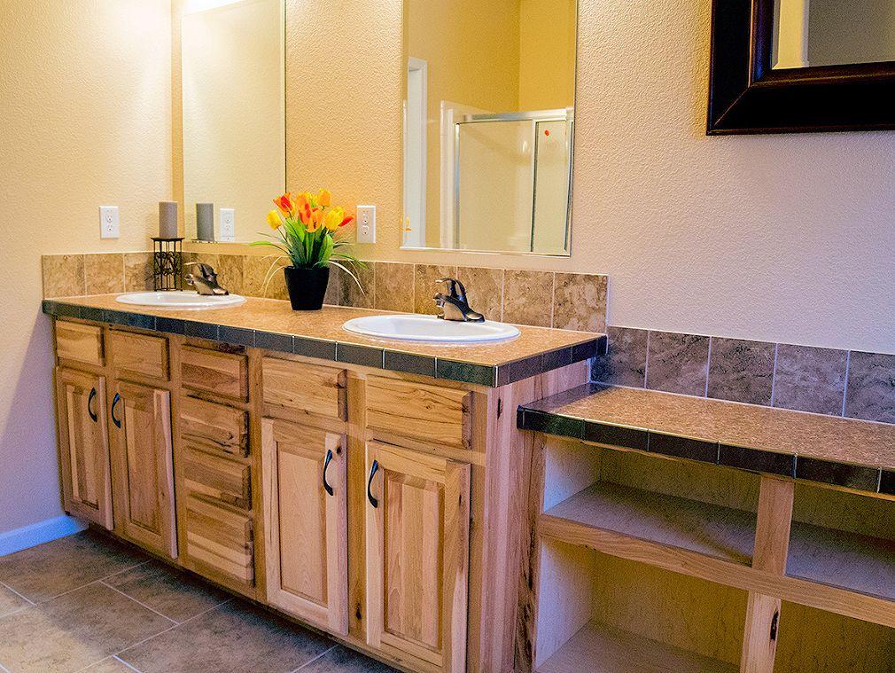 5-platinum-master-bath-manufacturedhomes-com-posetd-mhlivingnews-com-