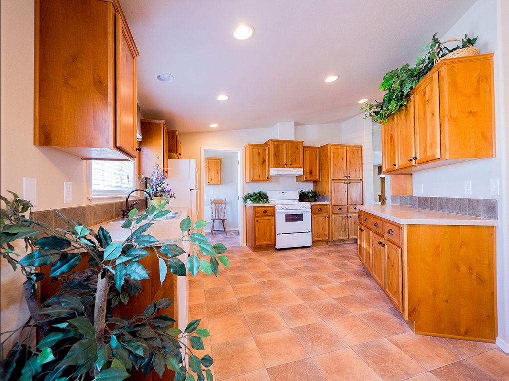 avalanche-4523-kitchen-manufacturedhomes-com-manufacturedhomelivingnews-com-