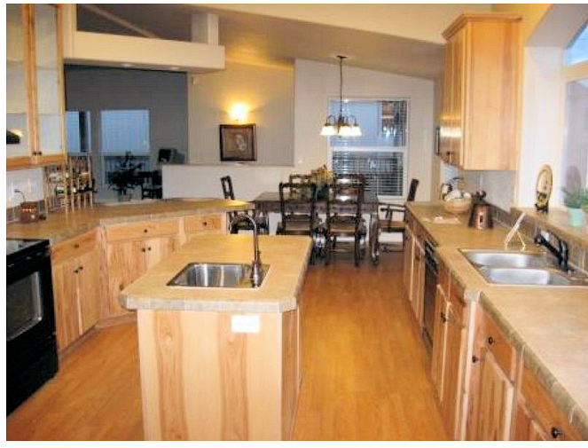 2-kit-homebuilders-credit-west-golden-state-3008-kitchen-posted-manufactured-home-living-news-_001