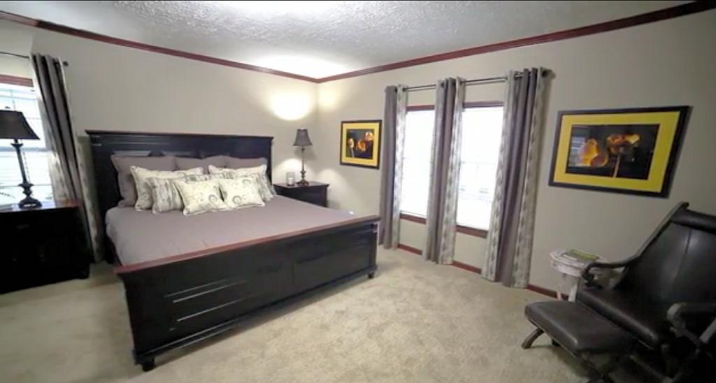 7-kabco-anniversary-series-master-bedroom-credit-manufacturedhomes-manufacturedhomelivingnews-com-