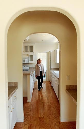 carolyn-rolfes-developer-cityscapes-carthage-mills_photo-credit-enquirer-posted-manufactured-home-living-news-