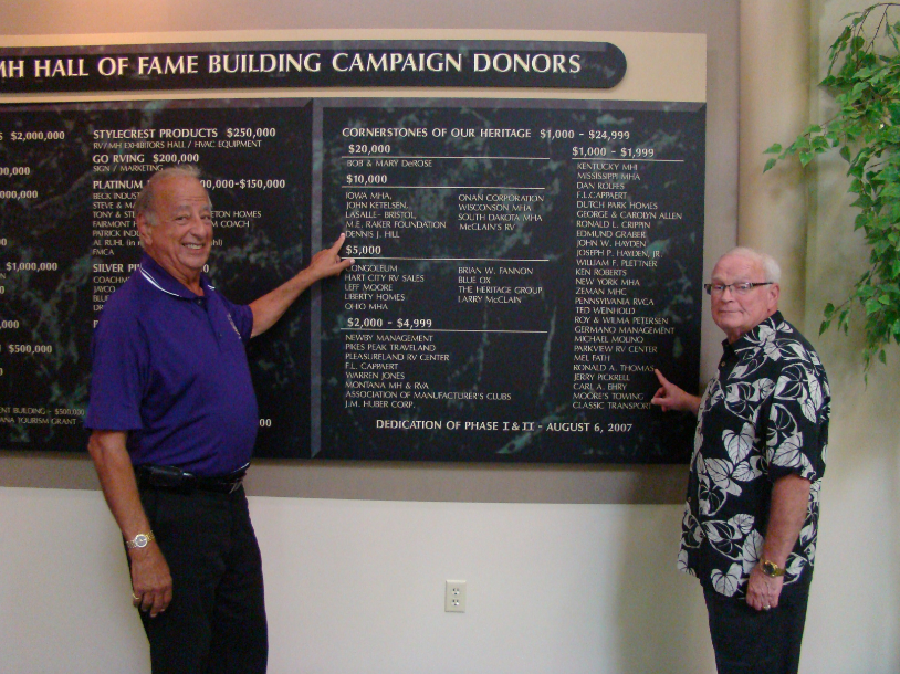 ron-thomas-sr-pointing-dennis-hill-pointing-ron-thomas-sr-rv-mh-hall-of-fame-donors-plaque-manufacturedhomelivingnews-com-