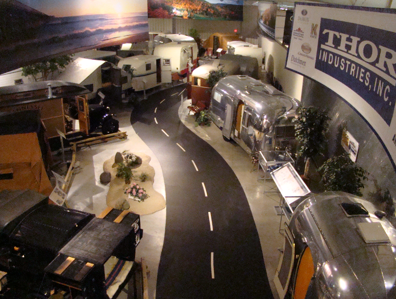 view-of-exhibit-hall-classic-rvs-and-mobile-homes-rv-mh-hall-of-fame-manufactured-home-living-news-com-