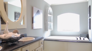 bathroom-sunshine-homes-tunica-manufactured-housing-show-manufacturedhomelivingnews-com-