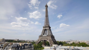 paris-eiffel-tower=travel-retire-in-style-umh-commercial-mhlivingnews-
