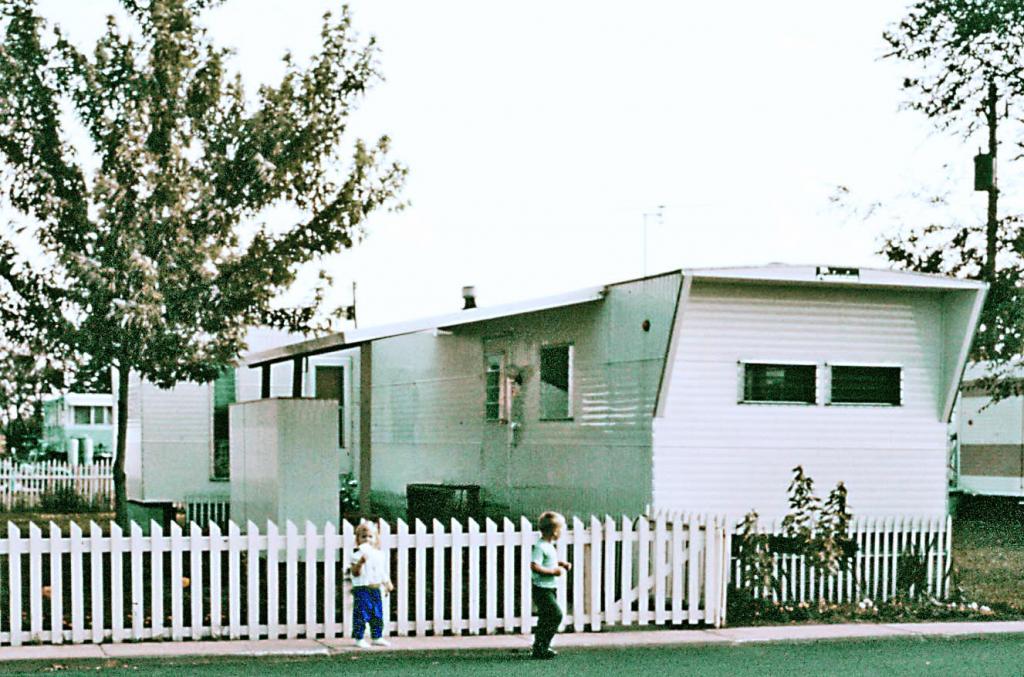 Richardson Mobile Home Skirted Fenced Porch Credit Bob