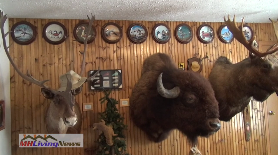 deer-buffalo-moose-squirrel-john-sue-howard-manufacturedhome-saddlebrookfarms-manufacturedhomecommunity-kalamazoo-mi-mhlivingnews-com-