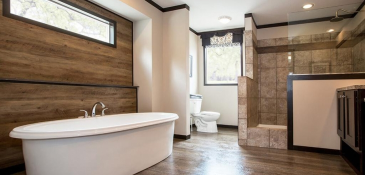 MasterBathondisplay-FayetteCountryHomes=credit-postedManufacturedHomeLivingNews-com-