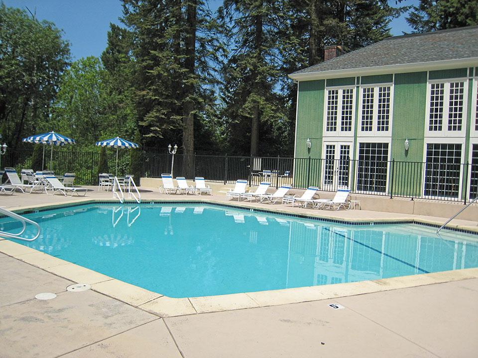 heritage-village-pool-creditcalam-beavertonor-postedmhlivingnews